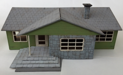 View of the front with the garage detached.
